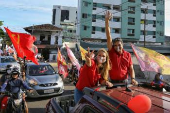 João Paulo dá início à campanha com carreata em Olinda